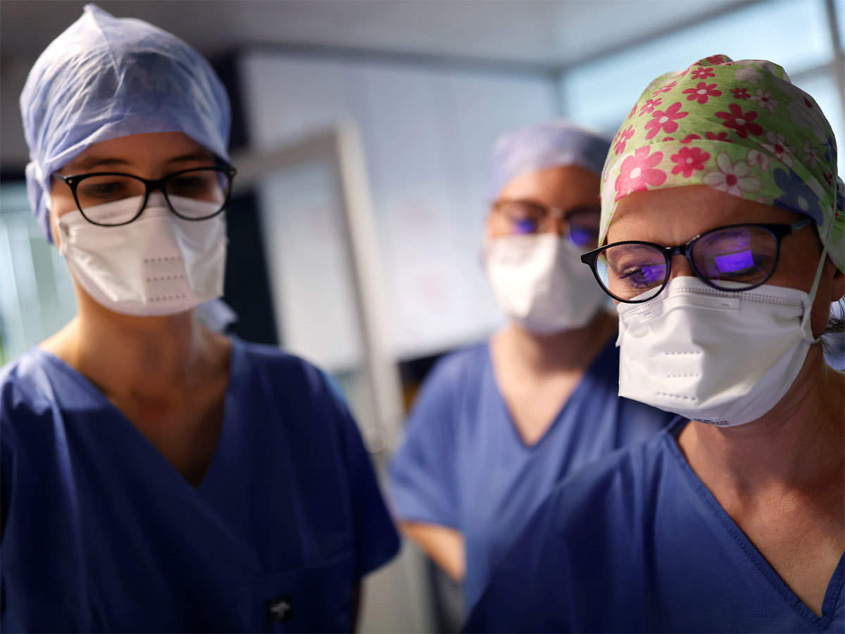 doctors-reuters